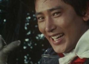 満面の笑顔で応える早川健